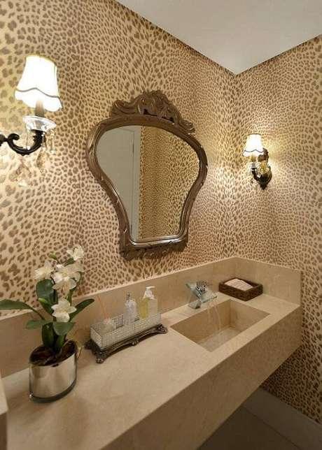 23. O espelho para banheiro com formatos diferentes são mais ousados. Projeto por Tani Bittencourt