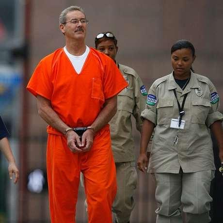 Allen Stanford foi condenado a 110 anos de prisão.