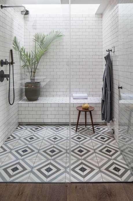 44. Cerâmica para banheiro neutro e criativo – Via: Ideias Decor