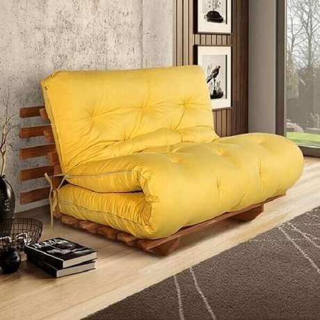 50. Modelo de sofá amarelo futon japonês. Fonte: Shopdesign