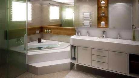 19. A cuba para banheiro dupla melhora o espaço para quem divide o banheiro. Projeto por Sabrina Schneider