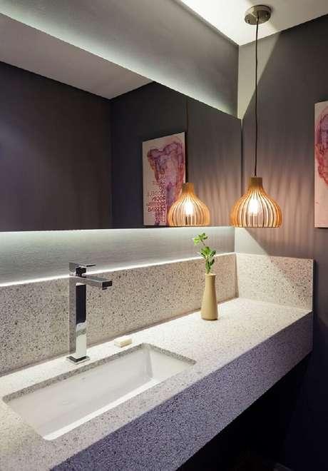 45. As cubas para banheiro de sobrepor retangulares podem ser colocadas em bancadas compridas. Fonte: Liusn