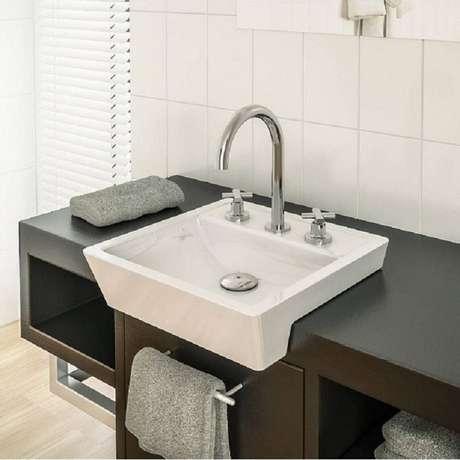 55. A cuba para banheiro podem ser de sobrepor, embutida ou encaixe. Fonte: Pinterest