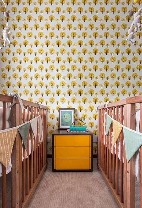 72. Papel de parede para quarto de bebê gêmeos – Foto: Pinterest