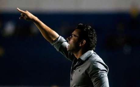 Após derrota em clássico, Botafogo demite Alberto Valentim