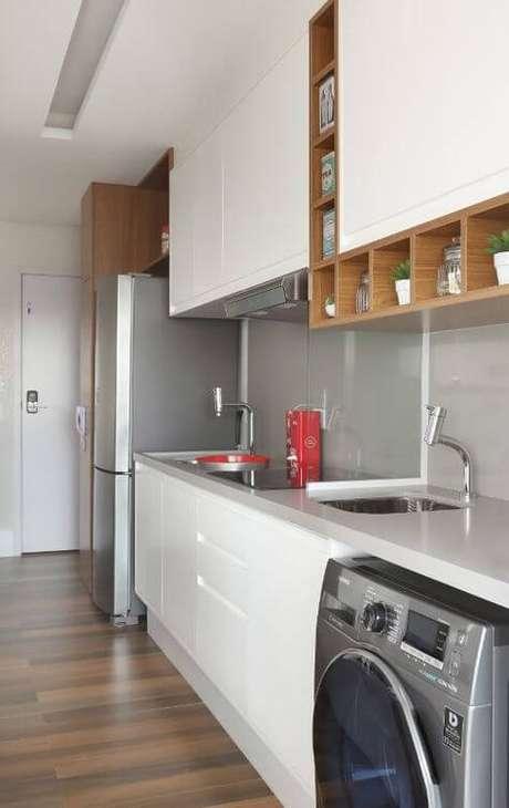 26. Armário de cozinha branco – Via: Revista VD