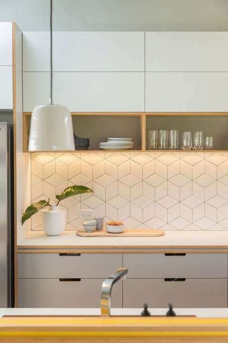 65. Armário de cozinha pequeno e neutro – Via: Habitissimo