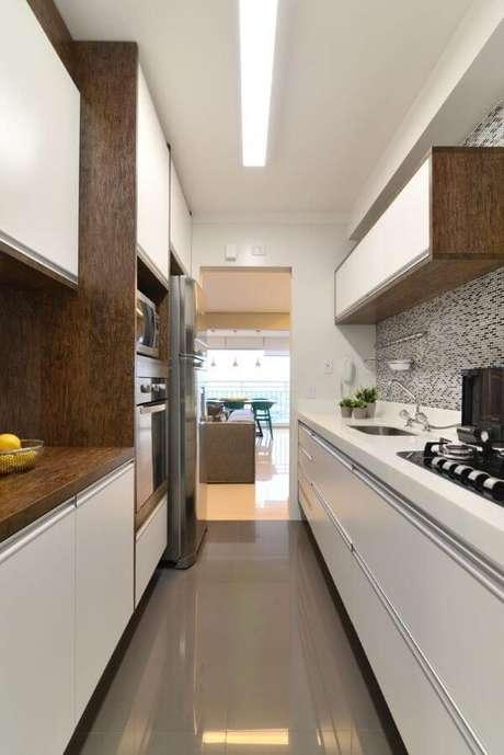 71. Armário de cozinha planejada cozinha com iluminação – Projeto: Danyela Correa