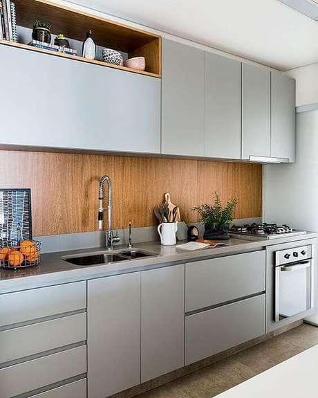 72. Armário de cozinha planejada moderna – Via: Pinterest
