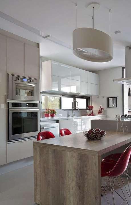 88. Armário de cozinha moderna – Via: Revista VD