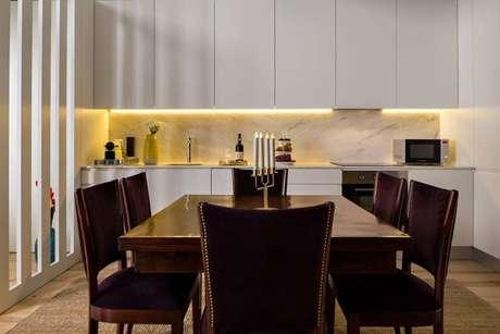 89. Cozinha moderna e branca – Via: Revista VD
