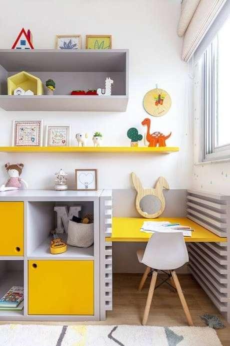 15. Brinquedoteca amarela com cinza – Foto: Na Toca Design