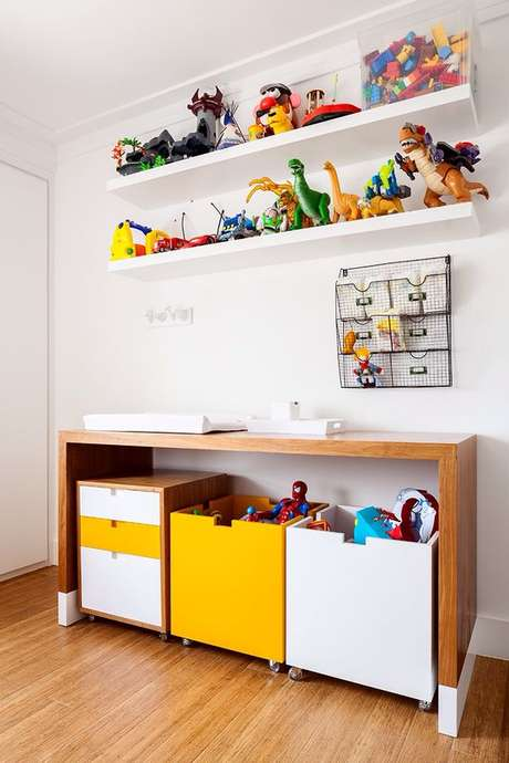 65. Brinquedoteca infantil com prateleiras – Via: Pinterest