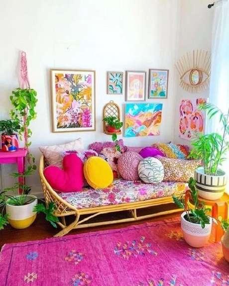 4. O tapete rosa para sala pink traz alegria para o cômodo. Fonte: Pinterest