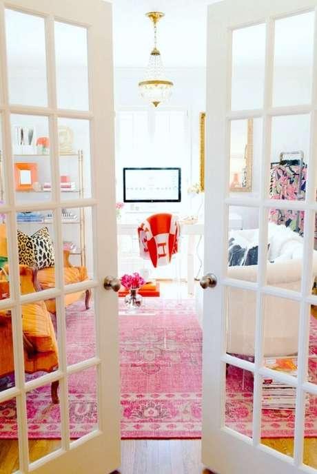 40. Decoração alegre e descontraída para sala de estar. Fonte: Pinterest