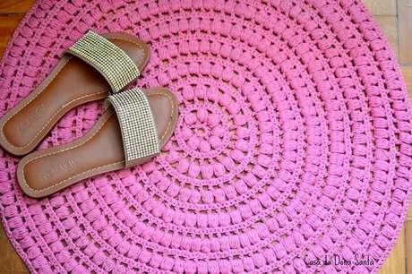 58. Modelo de tapete rosa de crochê. Fonte: Pinterest