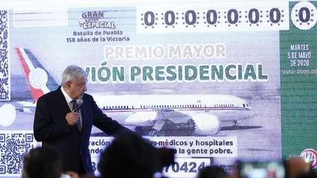 O presidente mexicano descreveu o avião como símbolo do excesso governamental