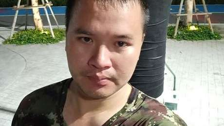 As forças de segurança acreditam que o atirador está escondido no shopping