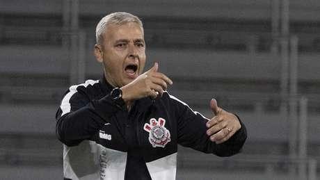 O Corinthians de Tiago Nunes perdeu a segunda partida seguida