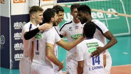 Cruzeiro lidera a Superliga Masculina de Vôlei