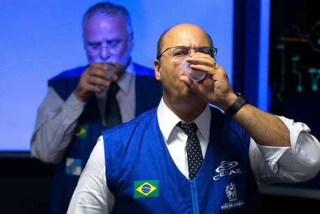 Wilson Witzel em coletiva de imprensa realizada em Nova Iguaçu, na Baixada Fluminense, a respeito da situação na Cedae, em 23 de janeiro de 2020.