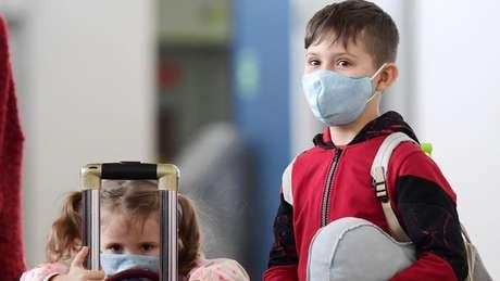 Não há evidências até agora de que crianças assintomáticas, ou mesmo com casos mais brandos de doença, estejam espalhando o vírus