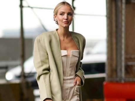 Moda de NY: decote inspirado no espartilho é trend no street style do New York Fashion Week