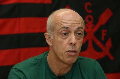 Wallim Vasconcellos encerrou a segunda passagem pelo Flamengo (Foto: Cleber Mendes/Lancepress!/AFP)