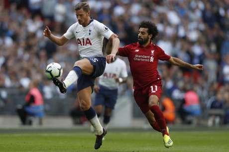 Vertonghen deve estar de saída do Tottenham nos próximos meses (Foto: Adrian Dennis / AFP)