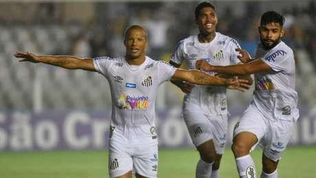 Santos venceu sem enfrentar problemas nesta segunda-feira (Foto: Divulgação Twitter Santos)