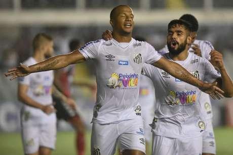 Sánchez comemora o seu primeiro gol em 2020 (Foto: Ivan Storti/Santos)