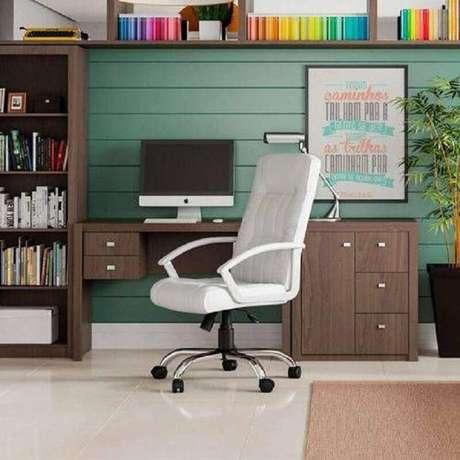 31. Cadeira giratória branca – Foto: Pinterest