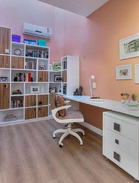 5. Invista em modelos de cadeira para escritório branca que sejam funcionais e confortáveis – Foto: Pinterest