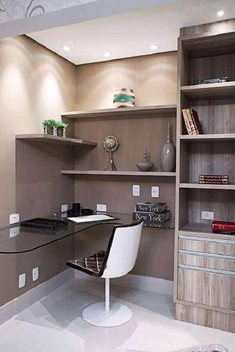 33. Modelo de cadeira para escritório branca com estofado preto – Foto: Etsy