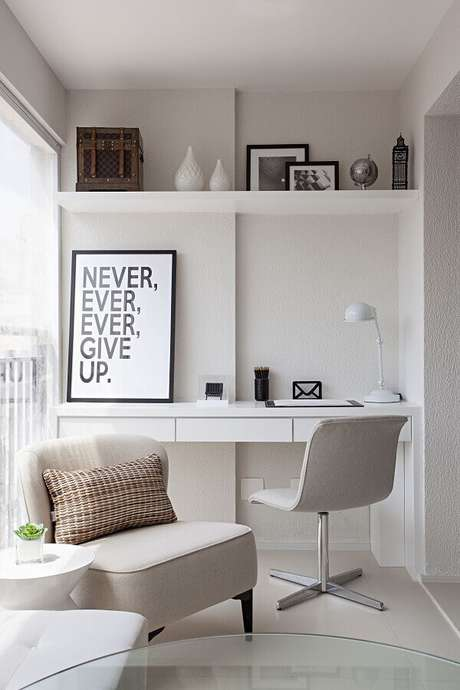 34. Cadeira para escritório branca – Foto: Casa de Valentina