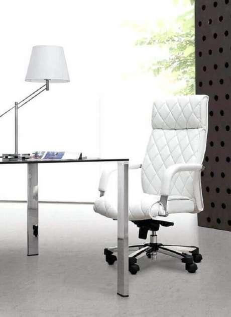 42. Lindo modelo de cadeira giratória branca para escritório moderno – Foto: Pinterest