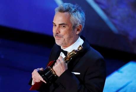 """Alfonso Cuarón com Oscar de Melhor Filme Estrangeiro para """"Roma"""" 24/02/2019 REUTERS/Mike Blake"""