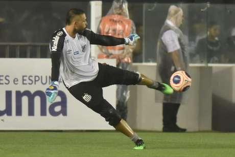 Depois de um ano emprestado ao Avaí, Vladimir volta a ganhar espaço no Santos (Ivan Storti/Santos FC)