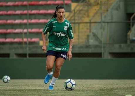 A atacante Bia Zaneratto já vem treinando com o elenco e se prepara para estrear pelo clube (Rebeca Reis/Palmeiras)