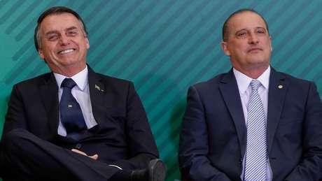 Jair Bolsonaro com Onyx Lorenzoni em janeiro de 2019; ministro já vinha perdendo poderes há meses