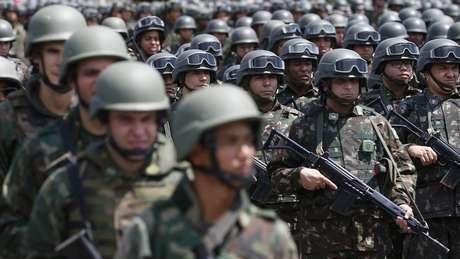 Nos pouco mais de dez meses em que o general Braga Netto comandou a segurança pública fluminense, o Estado registrou queda de roubos e aumento das mortes provocadas pela polícia