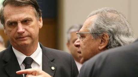 """""""Pergunta ao Paulo Guedes"""", costuma dizer Bolsonaro quando questionado sobre políticas econômicas do governo."""