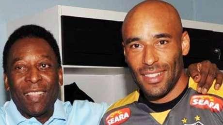 Coordenador Técnico do Santos, Edinho, filho de Pelé, disse que o pai possui quadro depressivo (Divulgação/Santos)