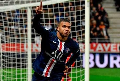 Mbappé pode ganhar salário do nível dos melhores jogadores do mundo (Foto: Philippe DESMAZES / AFP)