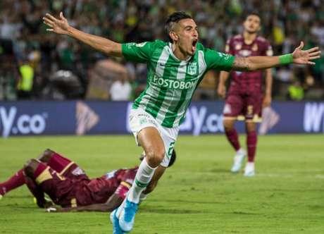 Daniel Muñoz é o alvo do Palmeiras para reforçar a lateral direita (Foto: Divulgação)