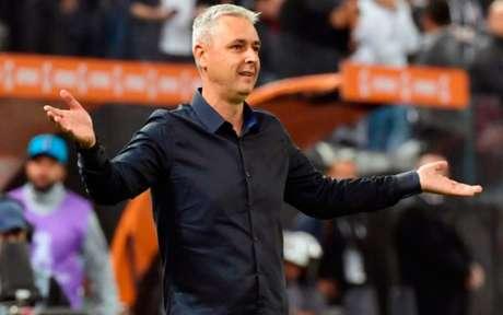 Tiago Nunes é o técnico do Corinthians (Foto: NELSON ALMEIDA / AFP)