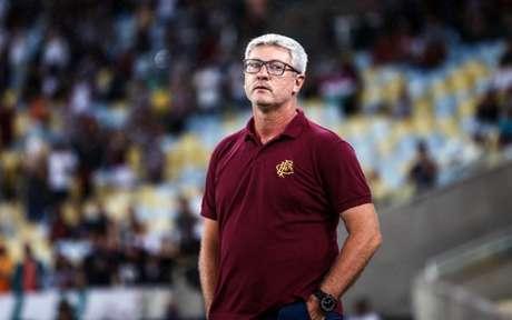 Odair Hellmann preferiu destacar os pontos positivos da equipe (Foto: Lucas Merçon/Fluminense)