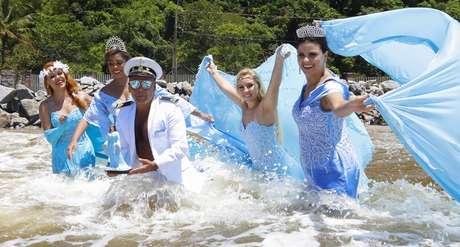 Edson Eddel e suas modelos viraram atração no litoral paranaense