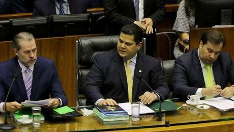 Dias Toffoli (esq.) encerrá seu mandato de dois anos na presidência do STF em setembro