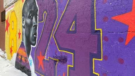 Mural em homenagem a Kobe Bryant em Chicago. 13/02/2020 REUTERS/Brendan O'Brien